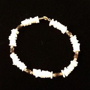 Jewelry - Vintage Puka Shell Bracelet